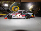 1 24 KEVIN HARVICK 29 GM GOODWRENCH SERVICE ELITE 2002 ACTION NASCAR DIECAST