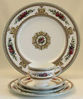 WEDGWOOD COLUMBIA 5 PC PLACE SETTING WHITE w/CENTER MEDALLION Green Trim W595