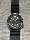 Seiko 7548-7000 Japan Kanji Day Mens 150M Vintage Quartz Dive Watch SKX007 Hands