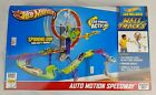 NEW Hot Wheels Wall Tracks Auto Motion Speedway Starter Set Mattel Connects Loop