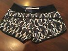 Vguc Lululemon Speed Run Running Shorts Sz 4 stain stained glass