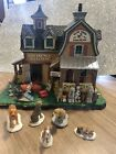 LEMAX 2010 Christmas Village GLAD WAGS SCHOOL FOR DOGS Obedience Training No box