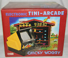 *VINTAGE MINT 1981 CHICKY WOGGY BACKLIT TABLETOP GAME BY VTECH IN BOX/BOXED*