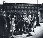 ROBERT DOISNEAU 14x11 photo gravure SUNDAY PAINTER PARIS 1932 bresson