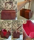 Rare 1940s Leather Frame Bag Hollywood Style. Lined in red!