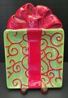 *Fitz & Floyd Gourmet Kringle Christmas Snack Plate - Red Swirls on Green