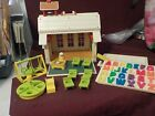 NICE VINTAGE 1971 FISHER PRICE LITTLE PEOPLE SCHOOL HOUSE W SOME ACCESSORIES