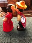 KISSING COUPLE FROM MEXICO SALT AND PEPPER SHAKER SET B