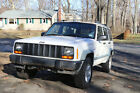 1998 Jeep Cherokee Sport 1998 for $900 dollars
