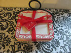 Ciroa 4PC Red & White Scroll Holiday Mini Appetizer/Dessert Plates in Wire Stand