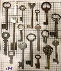 18 VINTAGE MIXED KEY LOT ANTIQUE SKELETON FLAT BARREL JAIL SEWING PIANO PRISON