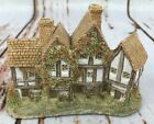 Vintage David Winter Cottage The Apothecarys Shop 1985 Handpainted