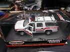 Matchbox 124 Scale 2000 CHEVY SUBURBAN FIRE BATTALION 201 MESA FIRE CHIEF