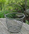 HEAVY VINTAGE WIRE EGG BASKET WITH A WIRE HANDLE - NO RUST