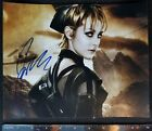 Top 5 Hunger Games Autographs Found on Trading Cards 16