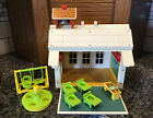 Vintage 1971 Fisher Price Little People Play Family School House 923 SPOTLESS