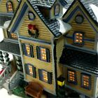 Lemax 2004 Hobart House Plymouth Corners Retired #45036 Village Lighted Building