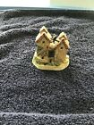 David Winter Cottages The Shires Hampshire Hutches 1992 COA Pre Owned