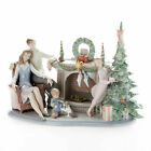 Lladro Retired A family Christmas Statue Figurine 01008260 New in Box 8260