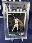 What Is Going on with the 2015 Topps Derek Jeter Card? 11