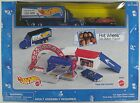 1997 Hot Wheels Team Racing Dunlop GAS STATION PLAYSET with Transporter