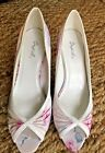 Qupid Womens Stiletto Heels Size US 8 Color White Pink Floral Pattern Peep Toe