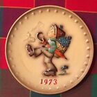 **HUMMEL ANNUAL PLATE 1973 IN BAS RELIEF**GOEBEL Boy Walking With Umbrella