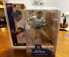 2014 McFarlane MLB Derek Jeter Commemorative Figure Two-Pack 9