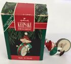 HALLMARK KEEPSAKE ORNAMENT HARK ! IT'S HERALD 1990 (06)