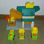 Vintage 1976 Fisher Price Little People Lift and Load Depot 3 vehicles+figs