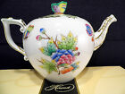 HEREND QUEEN VICTORIA TEAPOT,WITH PAPPILLON LID END,30 OZ HOLD,FOR SIX TEA CUPS
