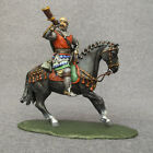 TOY soldiers Medieval Knight blows into HORN 1/32 Hand Painted equestrian 6012RD