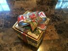 Christmas Fitz and Floyd gift box container 6 1/4