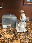 LLADRO PRIVILEGE 8427 RARE BLISSFUL YOUTH PORCELAIN WOMAN W/ FLOWERS FIGURINE