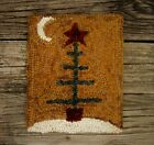 PRIMITIVE WOOL HOOKED RUG/ FOLK FEATHER CHRISTMAS TREE #1