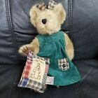Boyds Bears Retired Bear Polly Quignapple holds Quilted Olde Friends Pillow wTAG