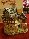 "David Winter Collectible Cottages ""The Bakehouse""  1983 Original box. Christmas"