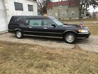 1999 Lincoln Town Car  1999 for $3800 dollars
