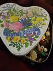 Beautiful Vintage Buttons Lot 4 1 2 lbs Glass Early Plastics MOP Wood Celluloid