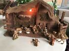 VINTAGE LARGE CHRISTMAS NATIVITY MANGER SET MADE IN ITaly 13 FIGURES STABLE LIT