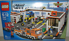 Lego City/Town 7642 City Garage NEW Sealed