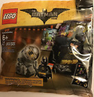 LEGO The LEGO Batman Movie Bat Signal Accessory Pack with Minifigure Sticke