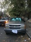 2000 Chevrolet Suburban  2000 below $1700 dollars