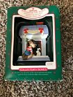 Hallmark Ornament Windows of the World #4 French 1988