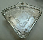 Vintage Clear Glass TRIANGLE Shaped Refrigerator Dish w Lid Daisy Pattern