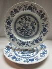 SET 2 DINNER PLATES BLUE ONION ROYAL ART POTTERY STAFFORDSHIRE ENGLAND WHITE
