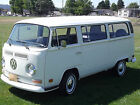 Volkswagen  Bus Vanagon Deluxe 7 passenger van Fully Restored 72 Deluxe New PaintMotorInterior