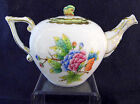 HEREND QUEEN VICTORIA TEAPOT,FOR 2 TEA CUPS,12fl OZ HOLD,BUTTERFLY LID END