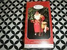 1998 HALLMARK CHRISTMAS ORNAMENT, MAKING HIS WAY FOLK ART COLL.   T2320