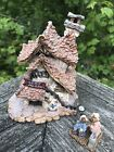 2000 Bearly WELL CLINIC Bearly-Built Villages #8 Boyds Town #19008 w/ Figurine